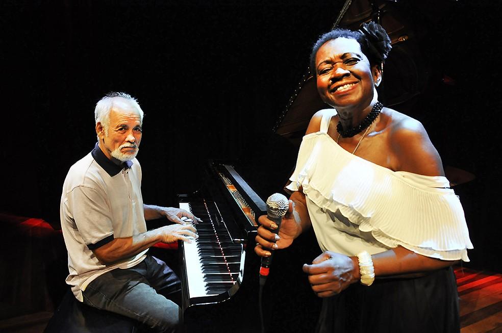 O pianista Cristovão Bastos e a cantora Áurea Martins se unem em disco com músicas inéditas como 'Rede branca' — Foto: Mariza Lima / Divulgação
