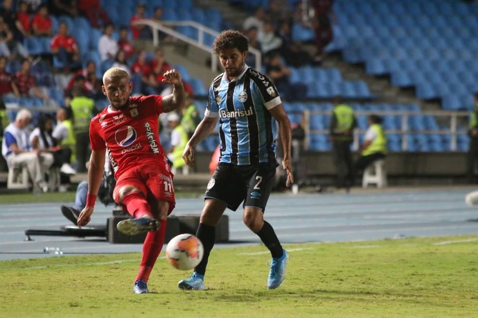 Na Libertadores, é Victor Ferraz quem desarma mais — Foto: Eduardo Moura