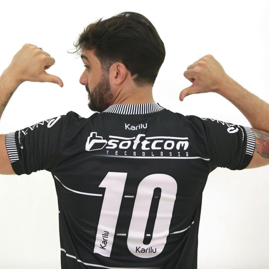 ... contra Botafogo-PB lança uniforme 3 e já vai estreá-lo no domingo 627b80b40b652