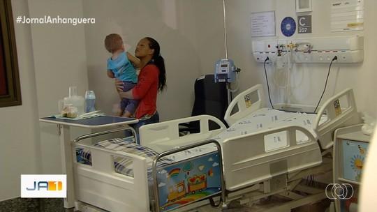 Governador inaugura novos leitos no Crer, em Goiânia