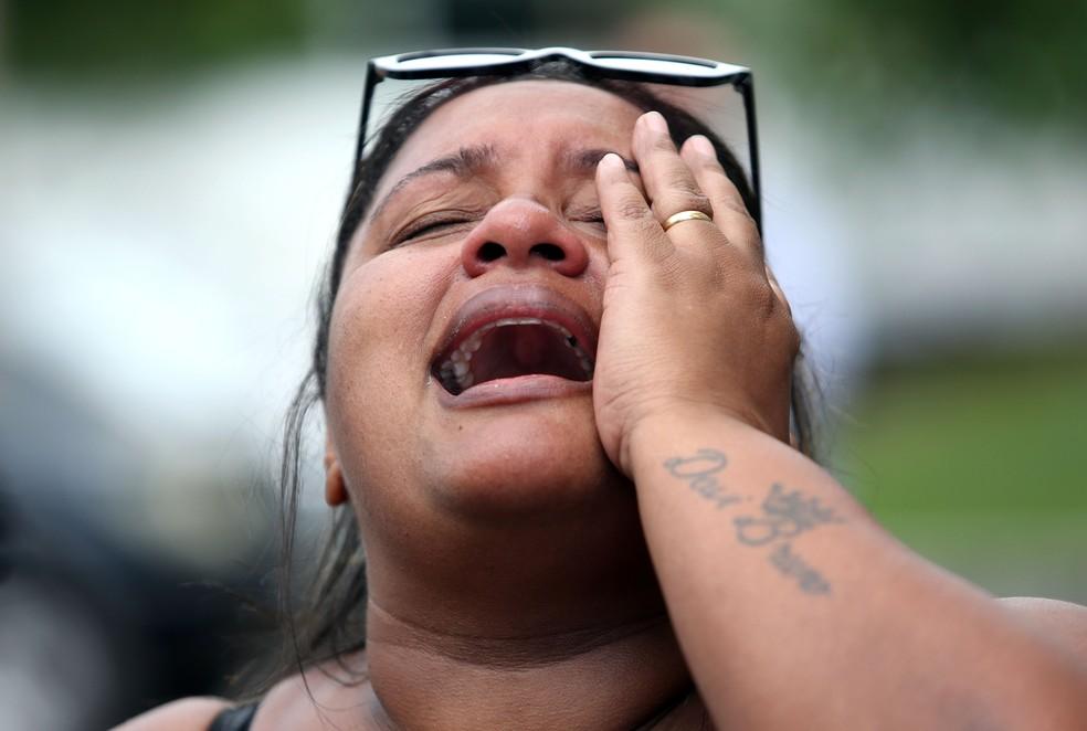 Luciana Nogueira, esposa do músico Evaldo dos Santos Rosa, morto no último domingo, fuzilado pelo Exército — Foto: WILTON JUNIOR/ESTADÃO CONTEÚDO