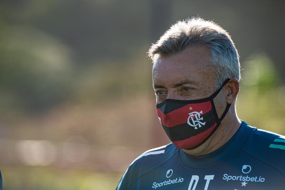 Domènec Torrent em primeiro treino no Flamengo — Foto: Alexandre Vidal / CRF