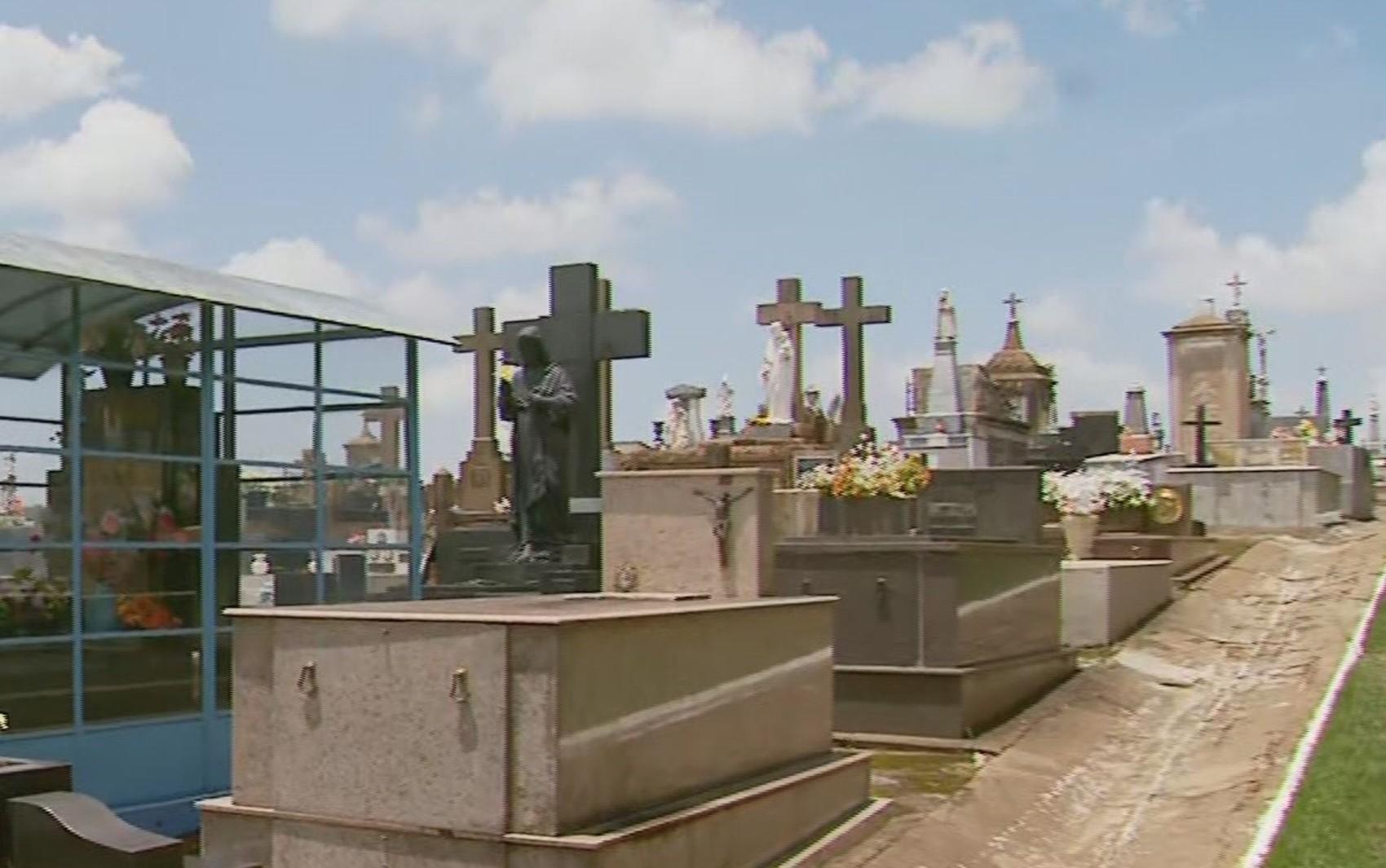 Cemitério tem quase 50 peças furtadas de túmulos em Muzambinho, MG
