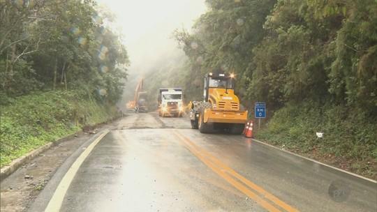 Desvio na BR-459 para obras causa transtorno para motoristas em Delfim Moreira, MG