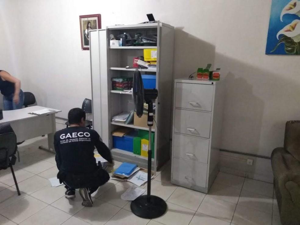 Cumprimento de mandado de busca e apreensão no Sul do ES — Foto: Divulgação/MPES
