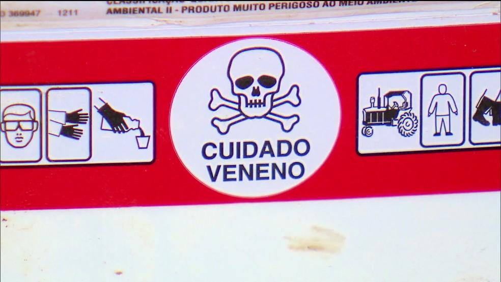 Imagem em rótulo de agrotóxico — Foto: Reprodução/TV Globo