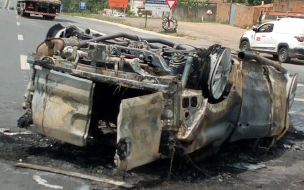 Motociclista morre após bater com carro na BR-116, altura de Santo Estevão  — Foto: Delegacia de Santo Estevão
