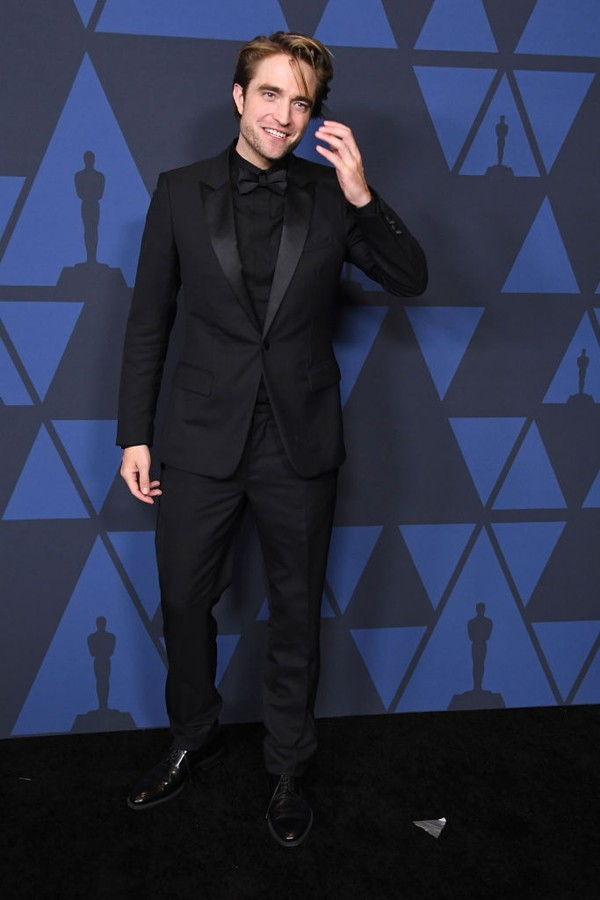 HOLLYWOOD, CALIFORNIA - OCTOBER 27:  Robert Pattinson arrives at the Academy Of Motion Picture Arts And Sciences' 11th Annual Governors Awards at The Ray Dolby Ballroom at Hollywood & Highland Center on October 27, 2019 in Hollywood, California. (Photo by (Foto: WireImage)