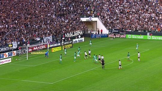 Árbitro dá sua versão sobre pênalti polêmico no jogo entre Corinthians e Palmeiras