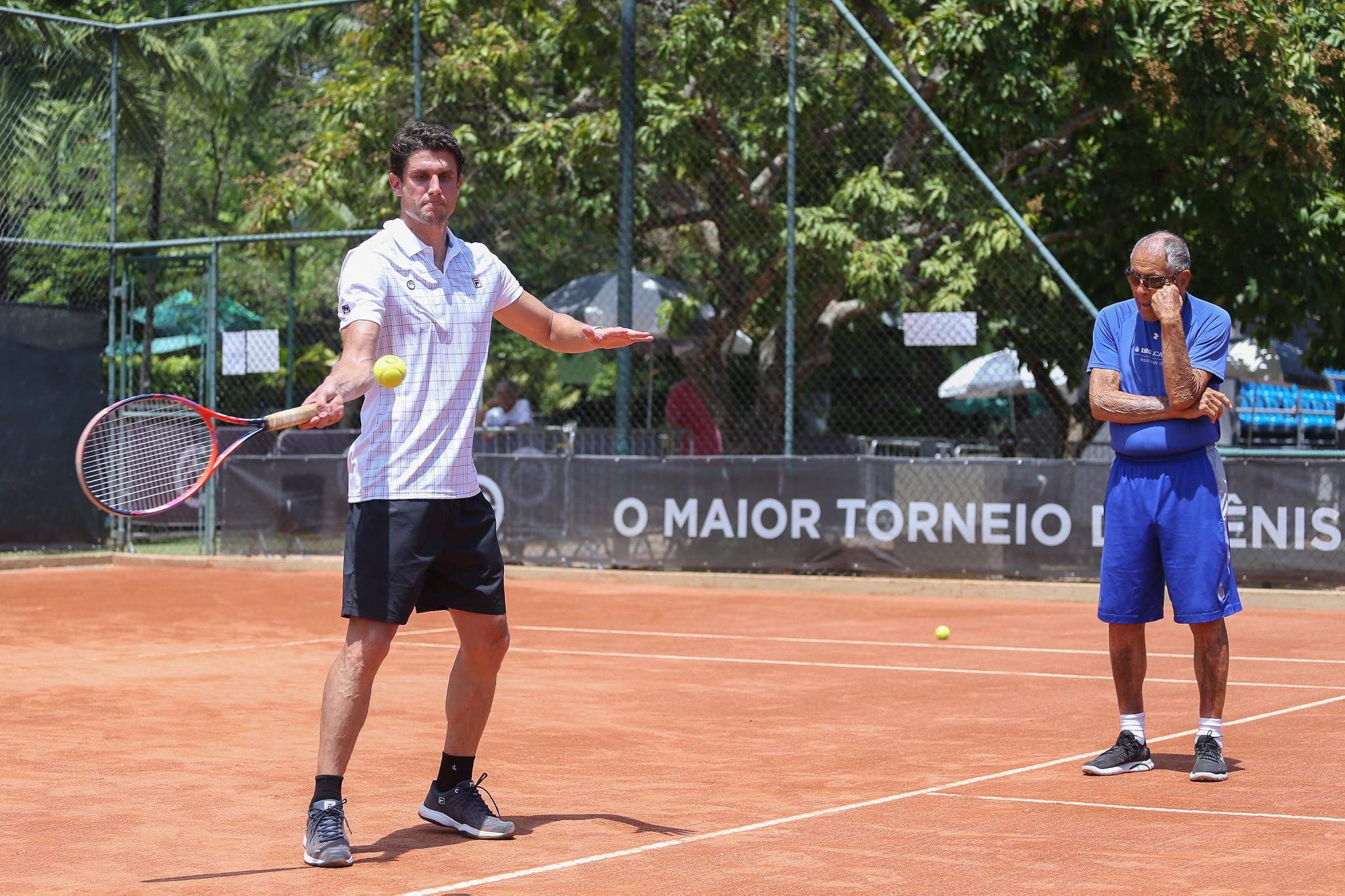 Bollettieri observa alundo em clínica no Rio Open
