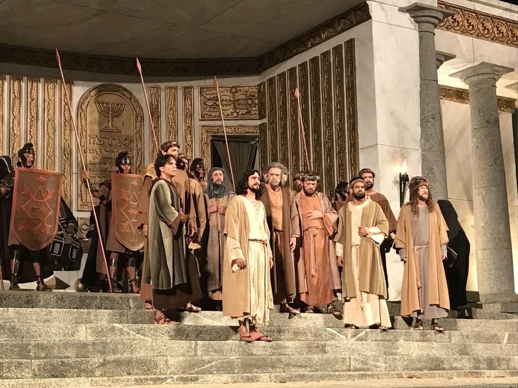 Cena do Templo de Jerusalém durante a Paixão de Cristo de Nova Jerusalém, no Brejo da Madre de Deus (Foto: Joalline Nascimento/G1)