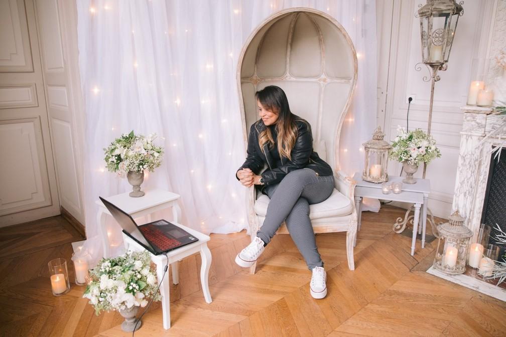 Herley soube do casamento em um vídeo preparado pelo marido — Foto: Alessandro do Nascimento/Arquivo pessoal