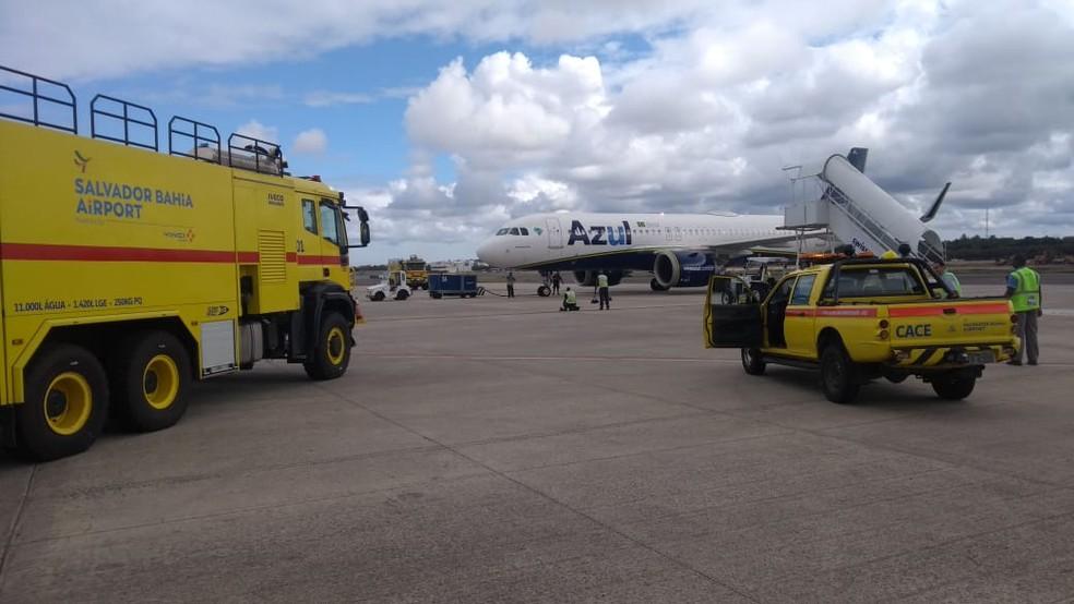 Avião da Azul faz pouso de emergência  no aeroporto de Salvador após problema técnico  — Foto: Arquivo Pessoal