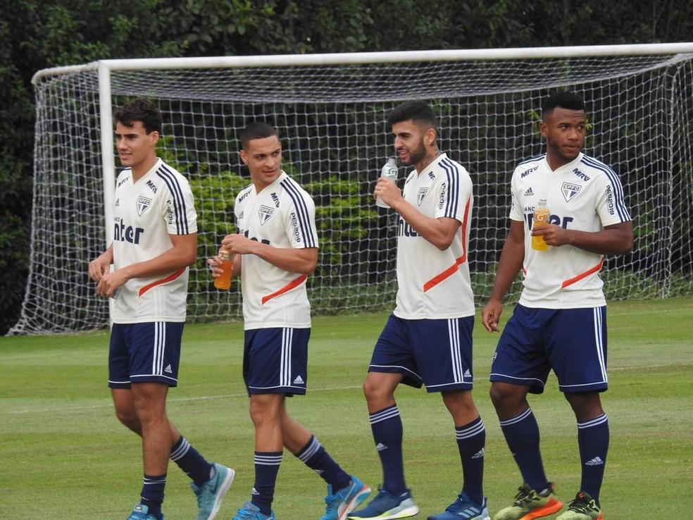Igor Gomes, Luan, Antony e Liziero durante treino do São Paulo — Foto: Marcelo Hazan