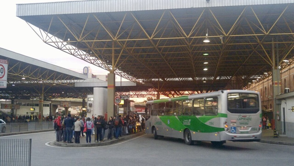 Greve de ônibus em Sorocaba (Foto: Jomar Bellini/TV TEM )