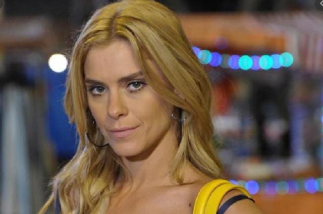 Carolina Dieckmann, a Teodora de 'Fina estampa' (Foto: Globo)
