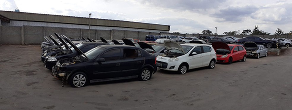 Carros que serão leiloados pela Polícia Civil do DF, no dia 15 de julho — Foto: PCDF/ Divulgação