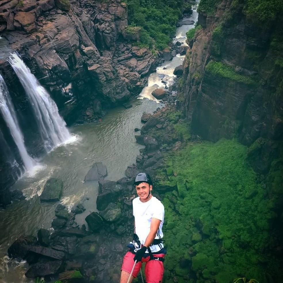 André Augusto Campos Oliozi, de 23 anos, gostava de postar fotos das aventuras que passava — Foto: Facebook