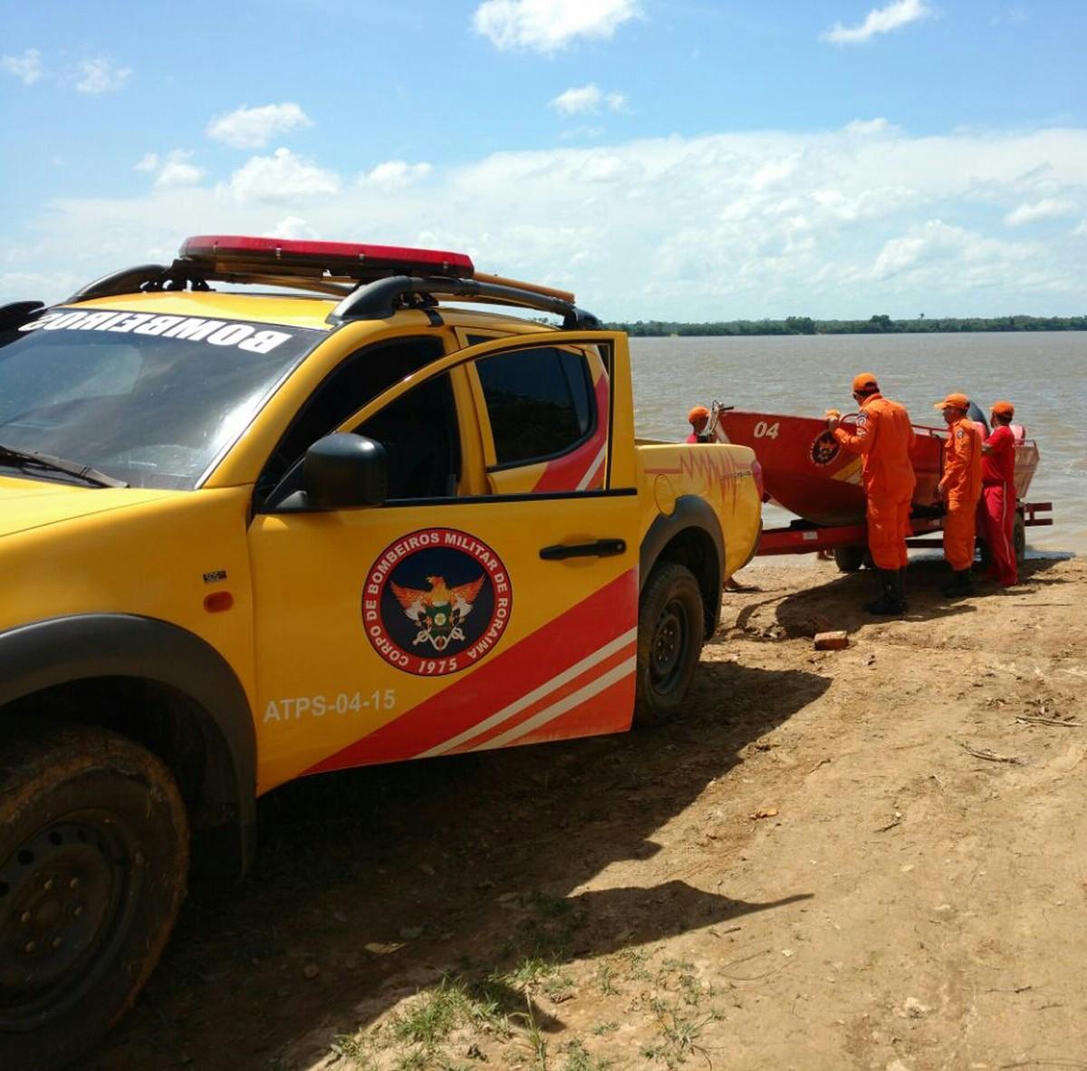 Jovem morre afogado ao tentar buscar canoa que se soltou da margem do Rio Branco, em RR