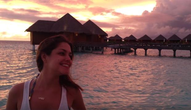 Thais Fersoza nas Ilhas Maldivas (Foto: Reprodução/YouTube)