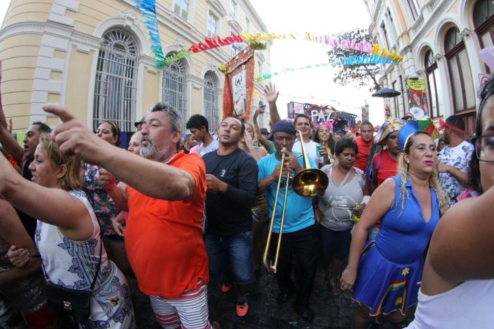 'Orquestrão' saiu pelas ruas do Bairro do Recife (Foto: Marlon Costa/Pernambuco Press)
