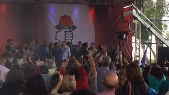 No primeiro dia de campanha eleitoral, Ciro Gomes participa de ato no Rio