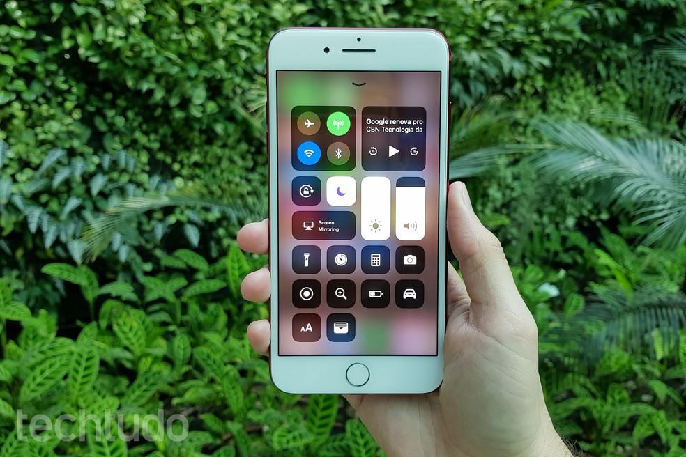 iOS 11 tem nova Central de Controle no iPhone (Foto: Thássius Veloso/TechTudo)