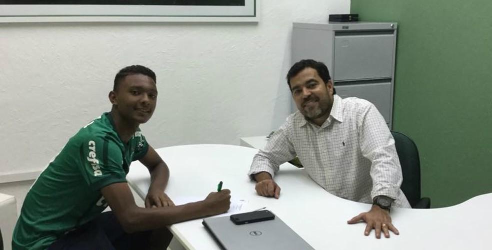 Luan Cândido tem contrato com o Palmeiras até setembro de 2020 — Foto: Divulgação