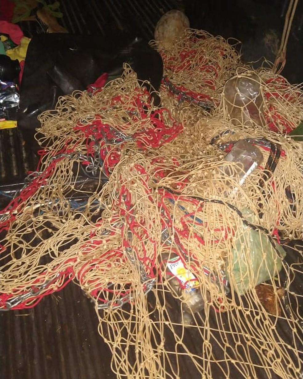 Rede de pesca foi apreendida — Foto: Batalhão Ambiental da Polícia Militar/Divulgação