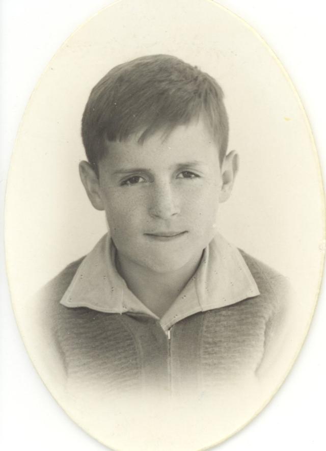 Roberto Gomez Bolaños. o Chaves e Chapolin, em foto da infância (Foto: Reprodução/Twitter)