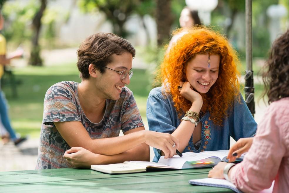 174c6cf61 ... Na categoria Universitário Empreendedor podem participar universitários  matriculados em cursos de graduação, pós-graduação