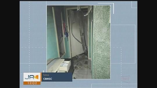 Homem morre após incêndio atingir casa no Sul de SC