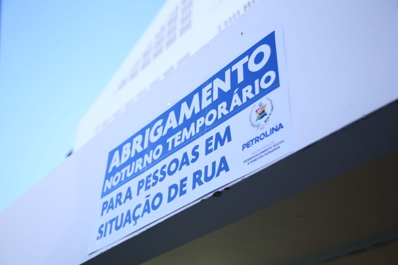 Ginásio Osvaldo do Flamengo vira abrigo noturno para pessoas em situação de rua em Petrolina