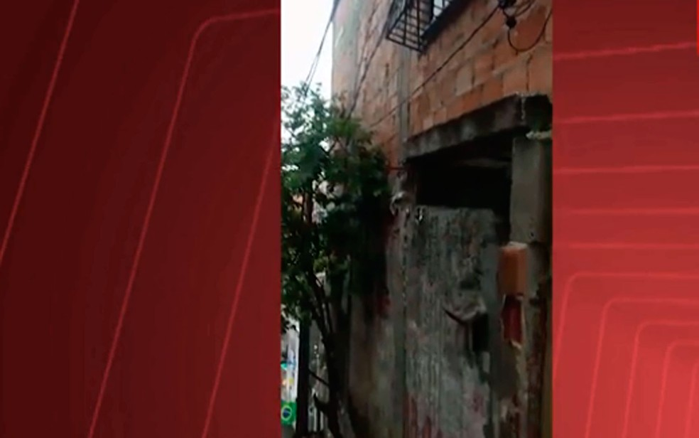 Fachada da casa usada por traficante em Salvador (Foto: Divulgação / SSP-BA)