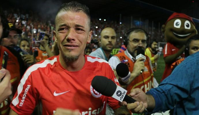 D'Alessandro despedida Inter (Foto: Tomás Hammes/GloboEsporte.com)
