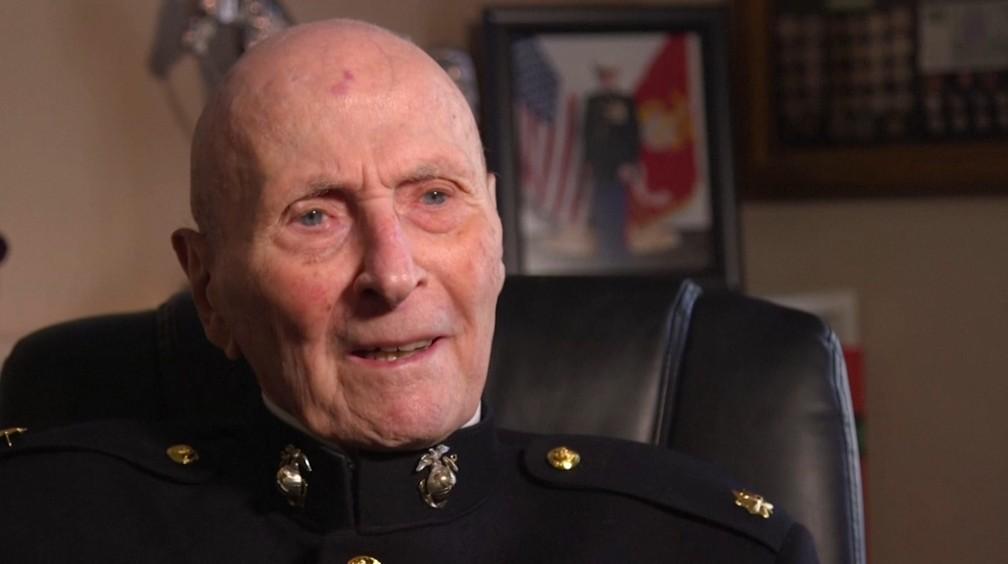 William White, veterano militar americano de 104, recebeu 70 mil cartas de Dia dos Namorados neste ano — Foto: Reprodução/Reuters