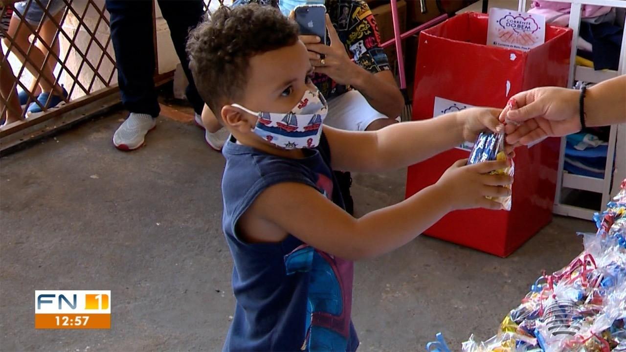 Voluntários entregam chocolates em Presidente Prudente e Álvares Machado