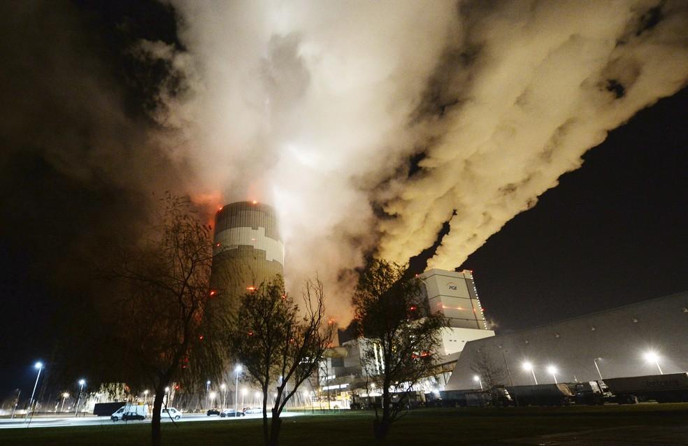 Usina de carvão na Polônia — Foto: AP Photo/Czarek Sokolowski
