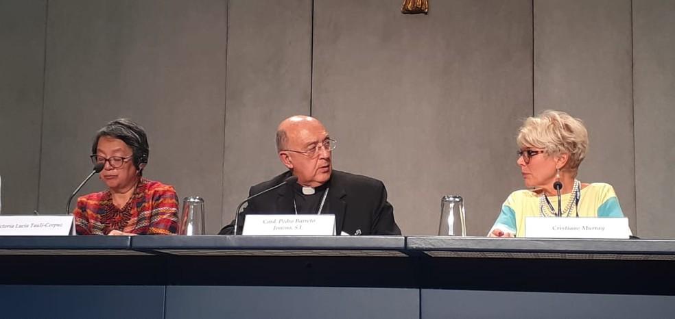 Cardeal peruano Pedro Ricardo Barreto Jimeno, Arcebispo de Huancayo, no Peru, ao centro — Foto: Divulgação/CNBB