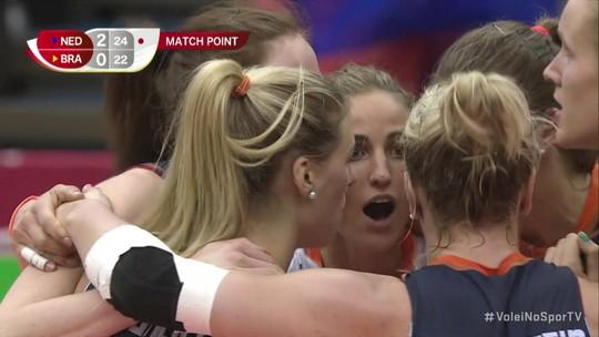 Brasil sofre com Sloetjes, cai para a Holanda e perde a primeira na Copa do Mundo feminina