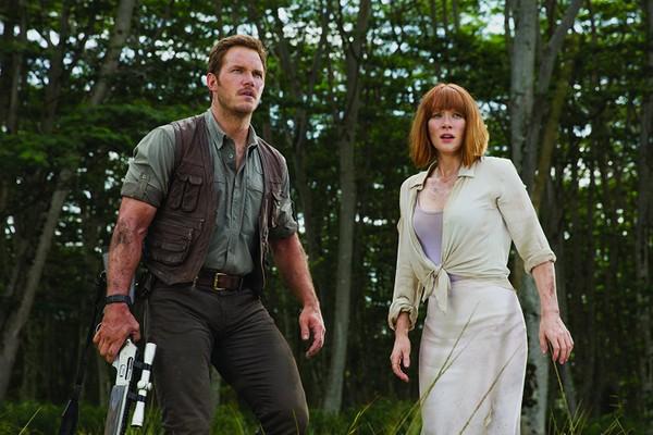 Bryce Dallas Howard e Chris Pratt em Jurassic World (2015) (Foto: Divulgação)