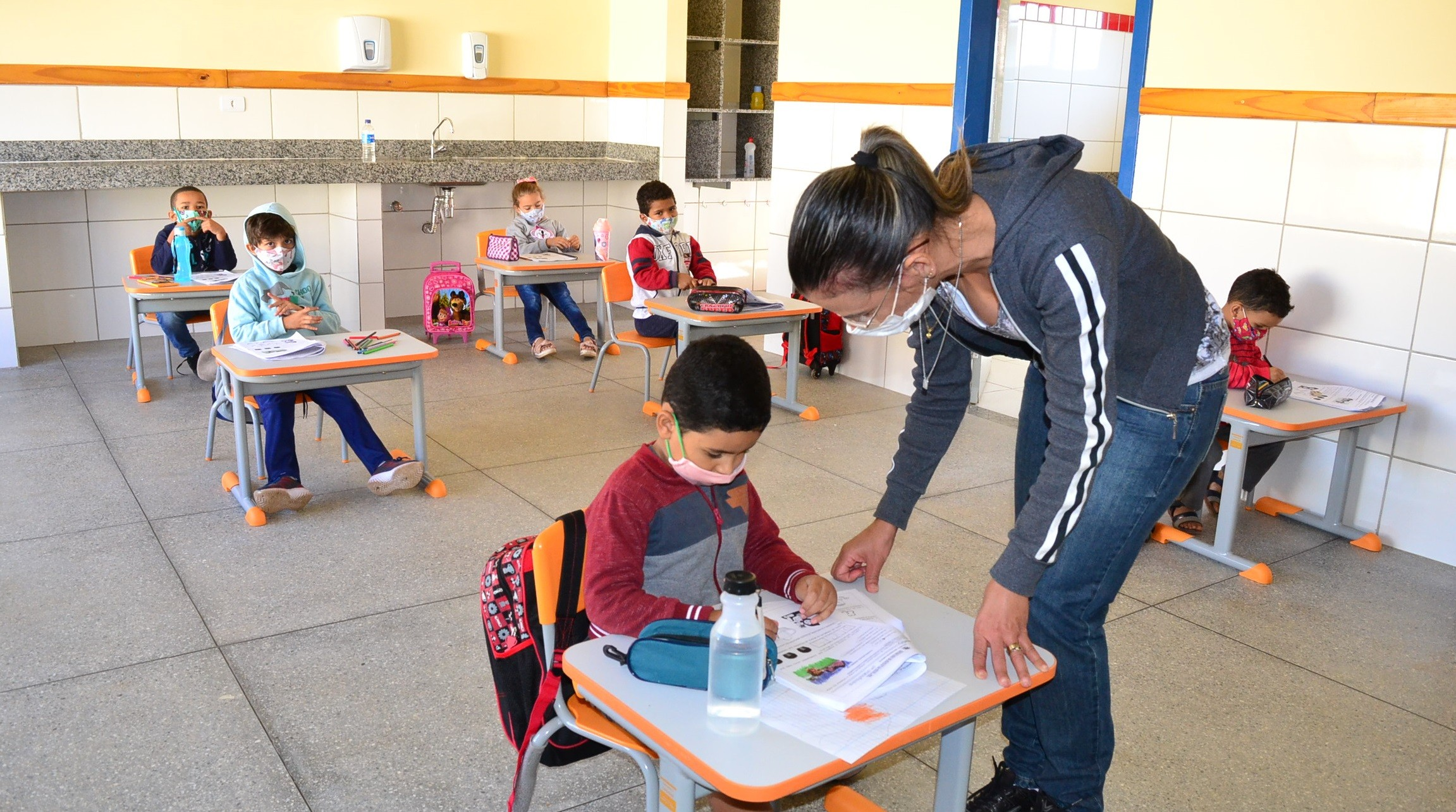 Volta às aulas com 100% dos alunos nas salas de aula em Montes Claros: perguntas e respostas