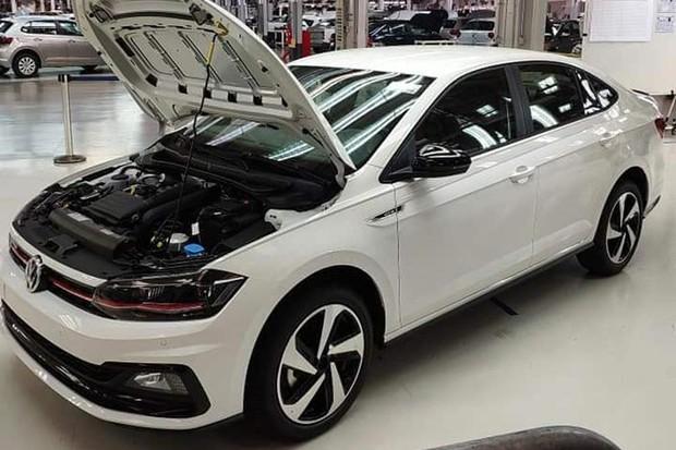 Virtus GTS foi flagrado em abril dentro da VW (Foto: Reprodução)