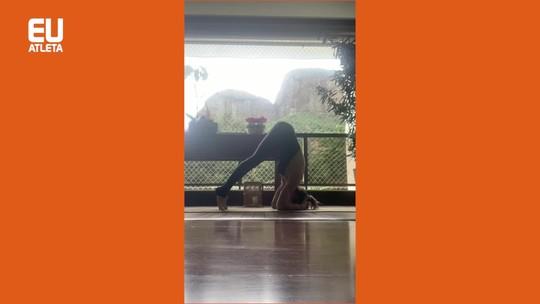 Sirsasana ou invertida sobre a cabeça, a rainha das posturas de yoga: passo a passo