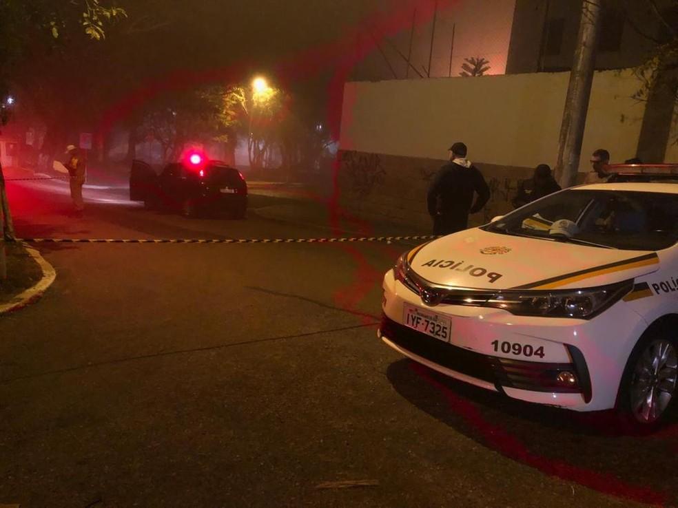 Policial foi morto em confronto na Zona Sul de Porto Alegre — Foto: Matheus Felipe/RBS TV