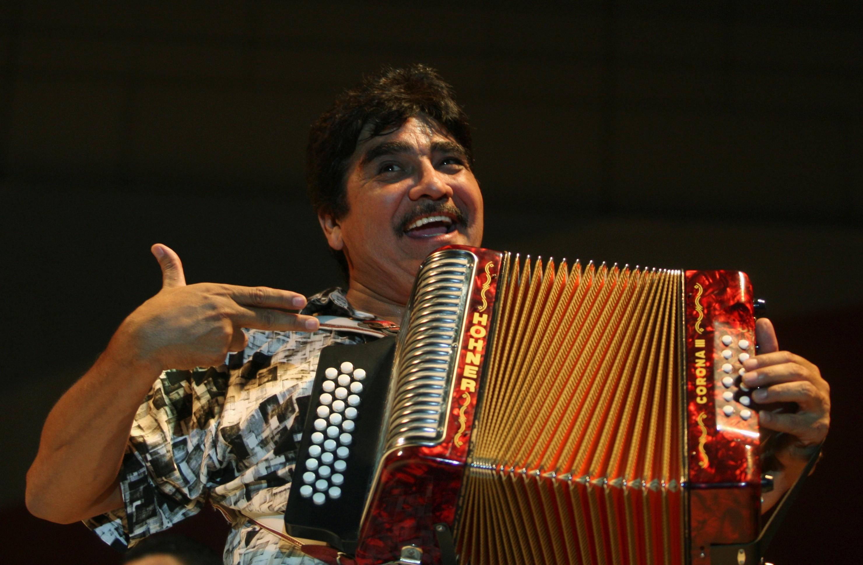 Celso Piña, músico mexicano, morre aos 66 anos - Notícias - Plantão Diário