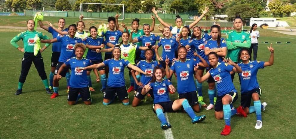 ... Seleção brasileira feminina sub-20 estreia diante do Chile — Foto  CBF 85f7755038c66