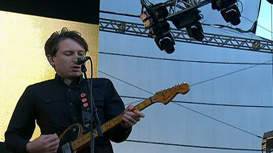 "Franz Ferdinand abre show com ""No you girls"""