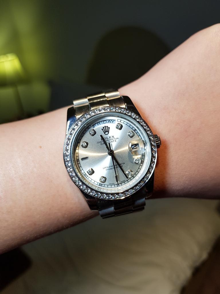 O relógio da marca Rolex de Suelem Cury está avaliado em R$ 350 mil (Foto: Arquivo pessoal)