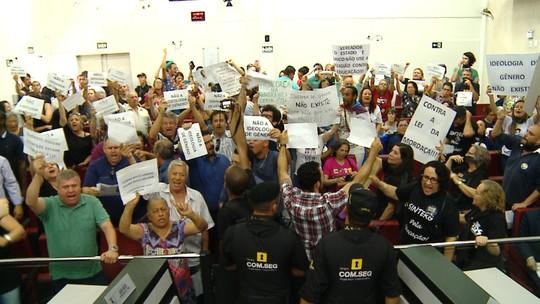 Projeto contra discussão sobre gênero em escolas gera polêmica em Rio Grande